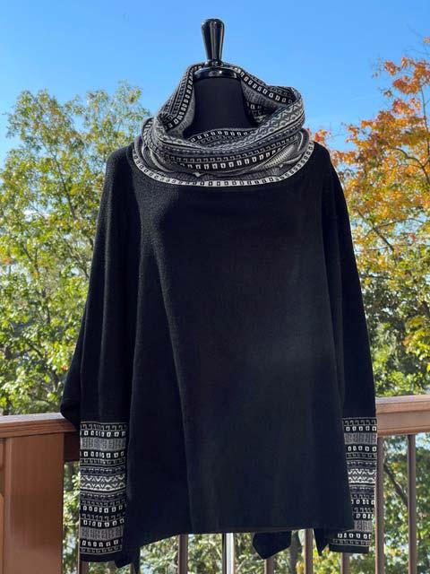 Women's Wide Turtleneck Long-Sleeve Sweater - Black, White & Greys