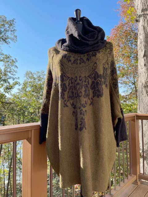 Women's Wide Turtleneck Long-Sleeve Sweater - Loden Green and Black
