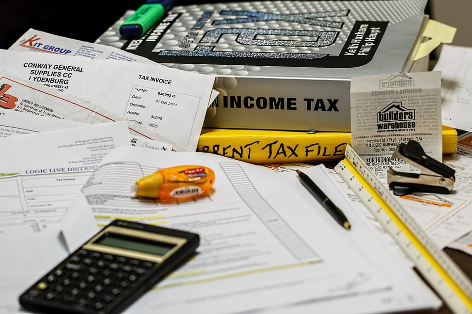 How does income tax work in a bankruptcy?