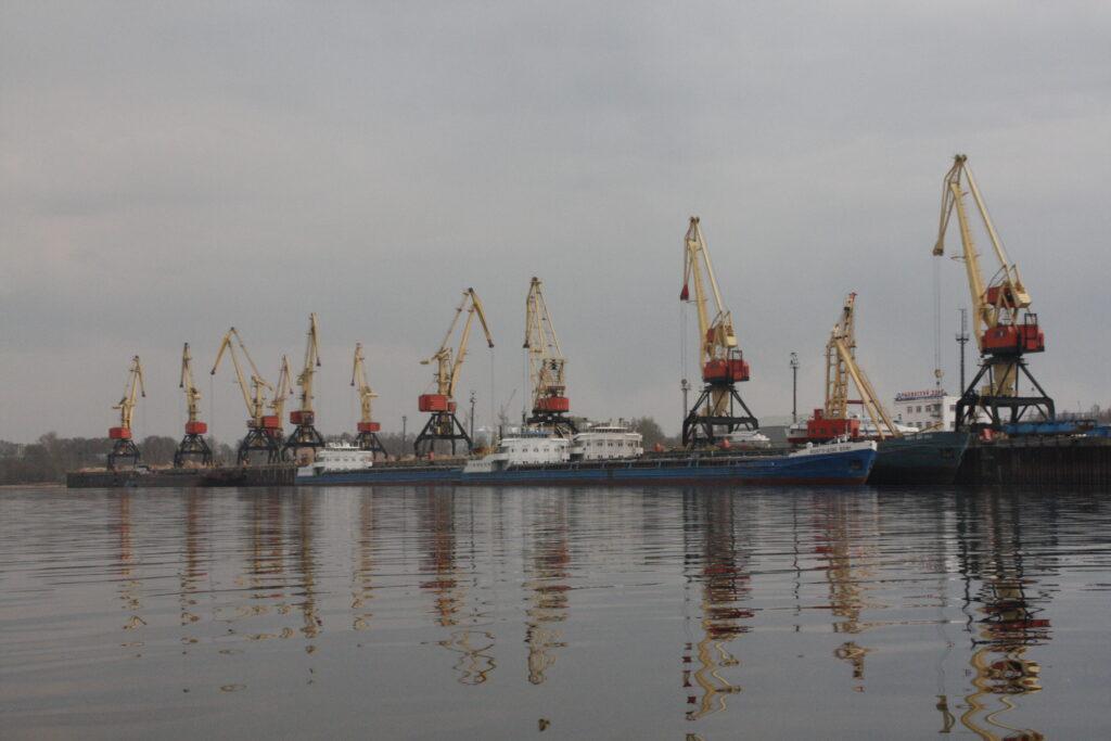 Dock works