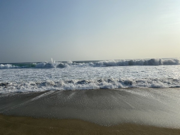 Hikes in Puerto Escondido include views of the beautiful Pacific Ocean.