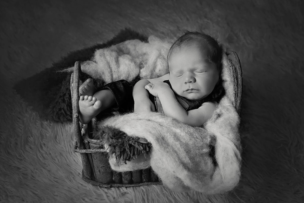 Newborn photography in sugarland tx