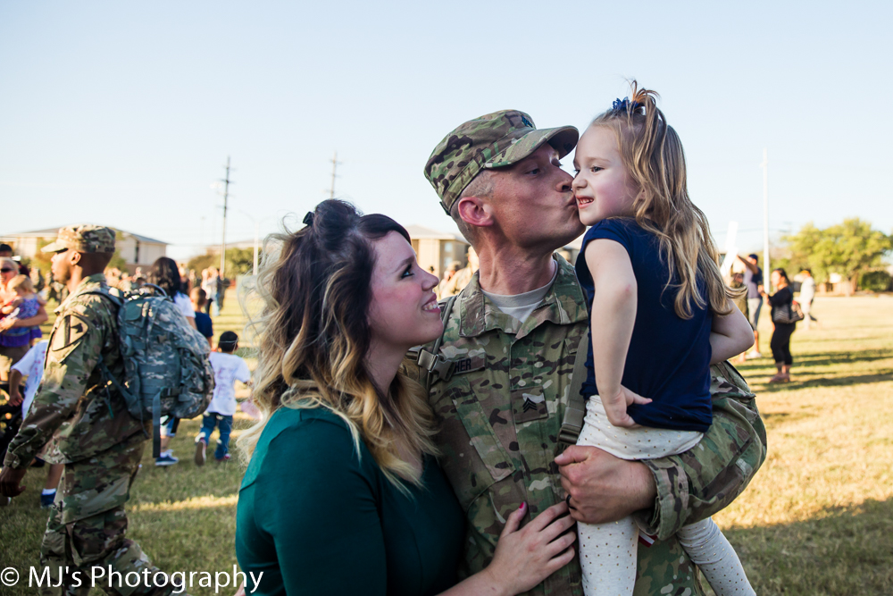 Fort Hood homecoming photographer