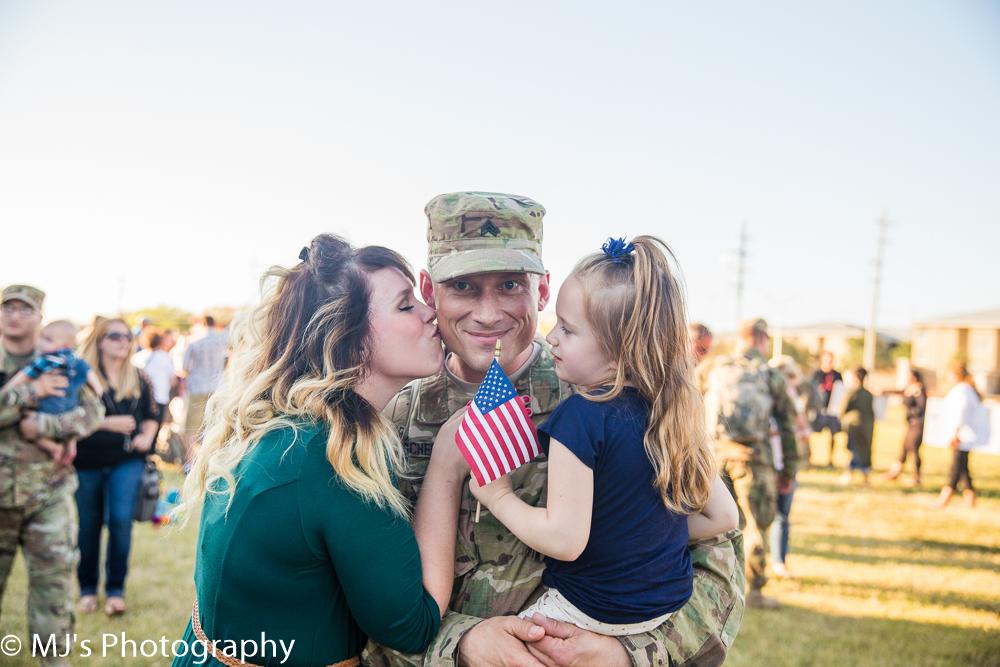 Fort Hood homecoming photographer