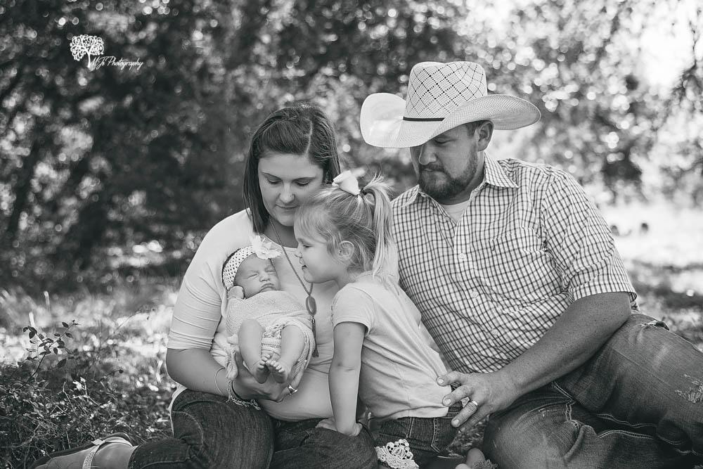 Newborn photographer in Fort Bend