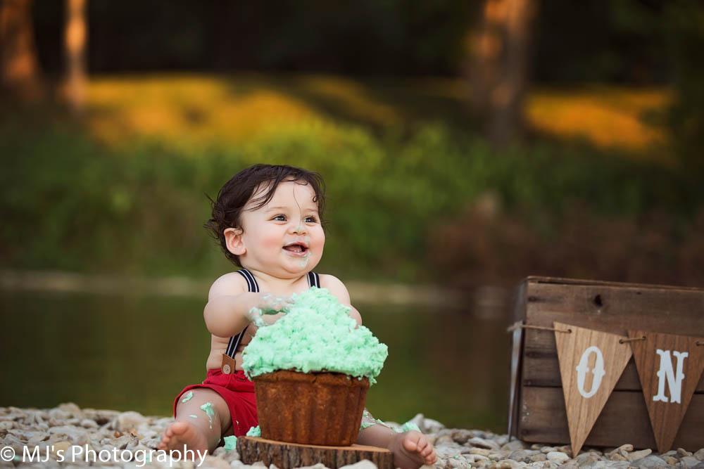 Longview cake smash photographer