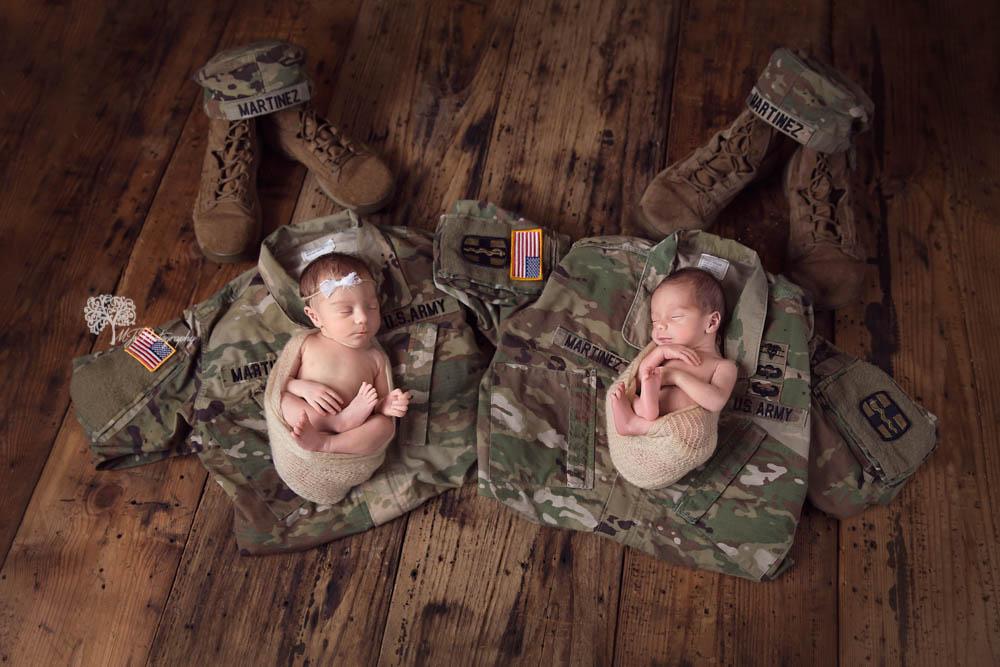 Houston twin newborn photographer