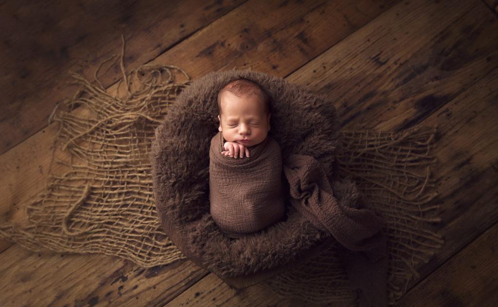 Sugar Land Texas twin newborn photographer
