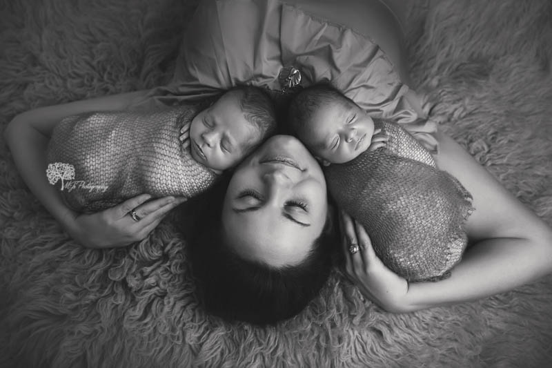 Cypress Texas twin newborn photographer
