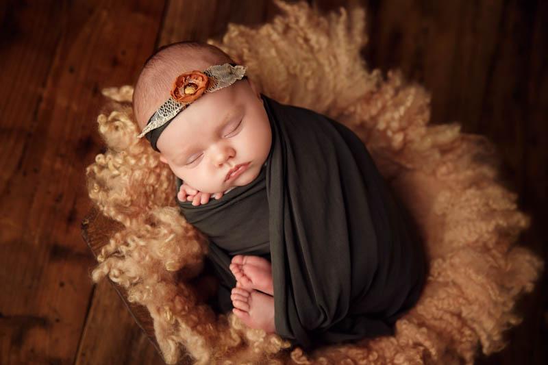 Spring newborn photographers