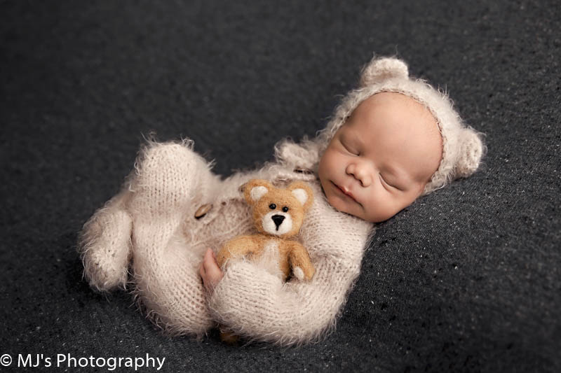 luxury newborn photographer  in Katy