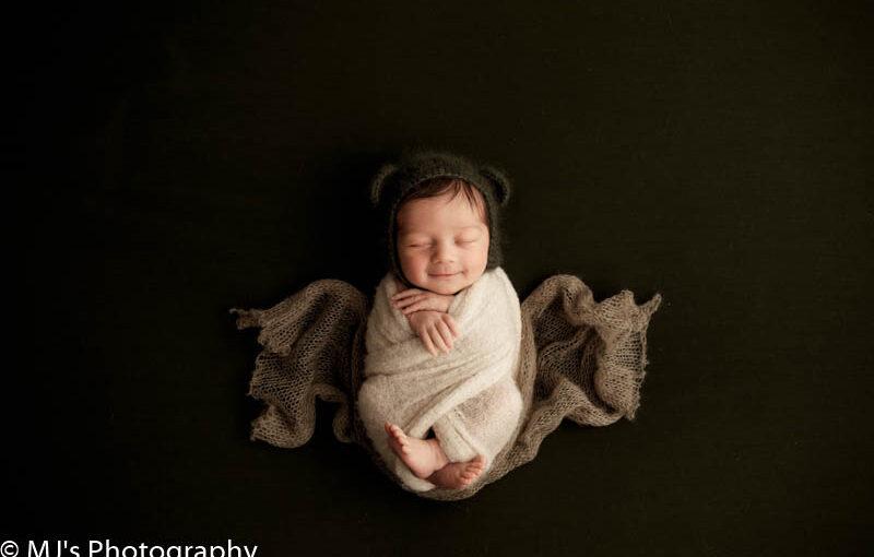 Avalon place photographer – Newborn photography