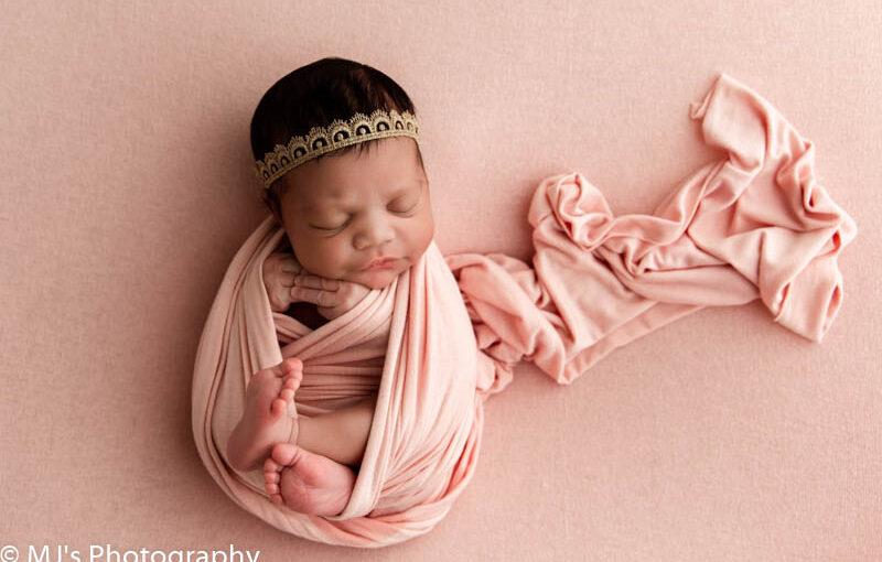 Professional Newborn photographer in Houston