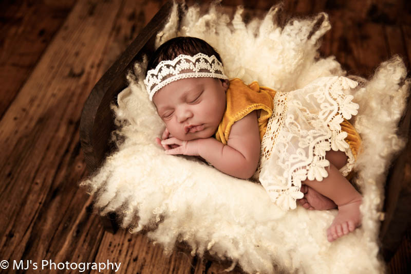 Newborn photographer - Memorial Houston