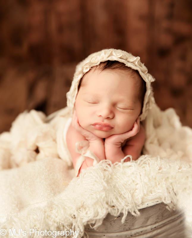 Weston Lakes newborn photographer
