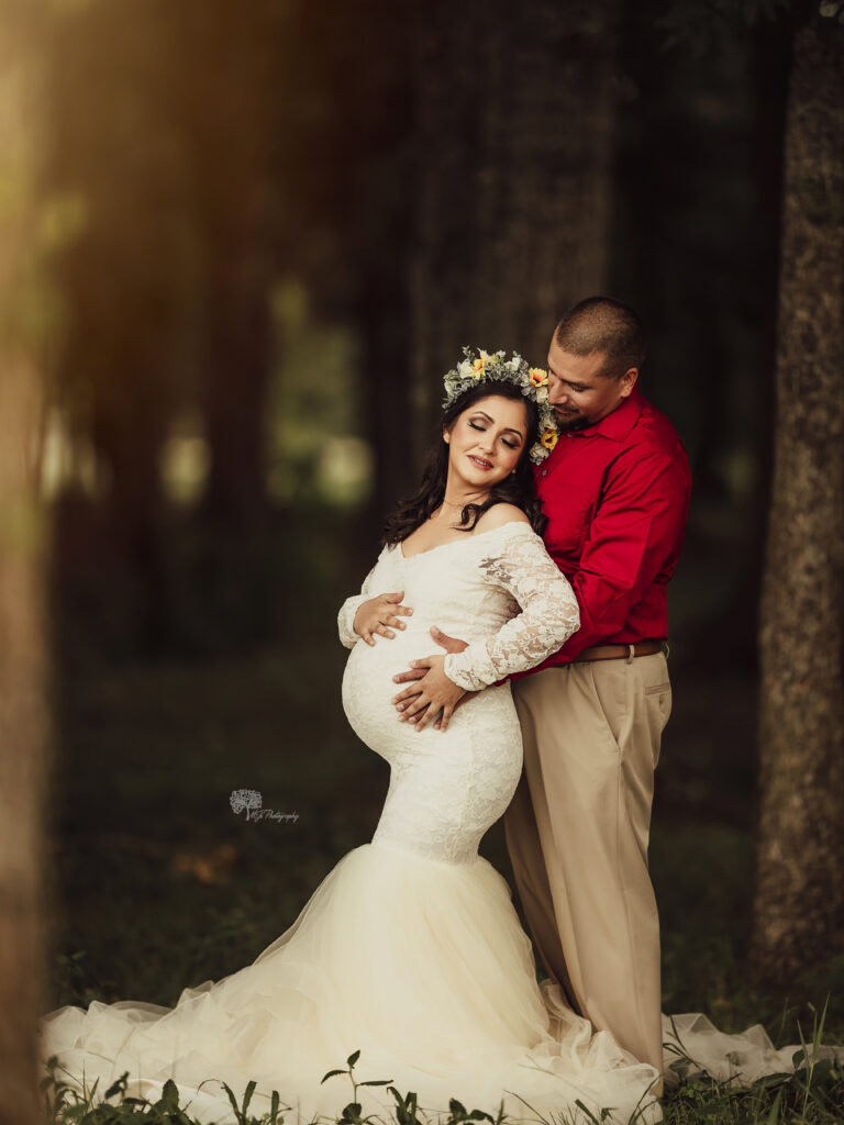 couple maternity picture, outdoor maternity pictures in katy, houston maternity pictures, couture maternity gown katy texas