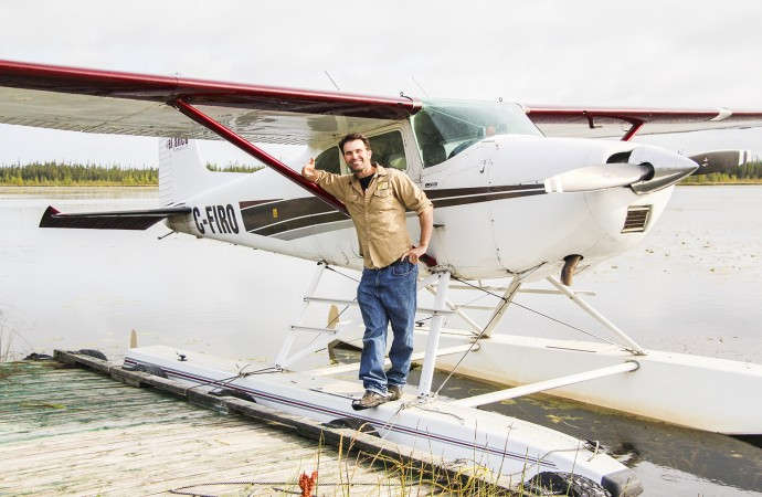 Bush pilot boxer lives it up, north and south