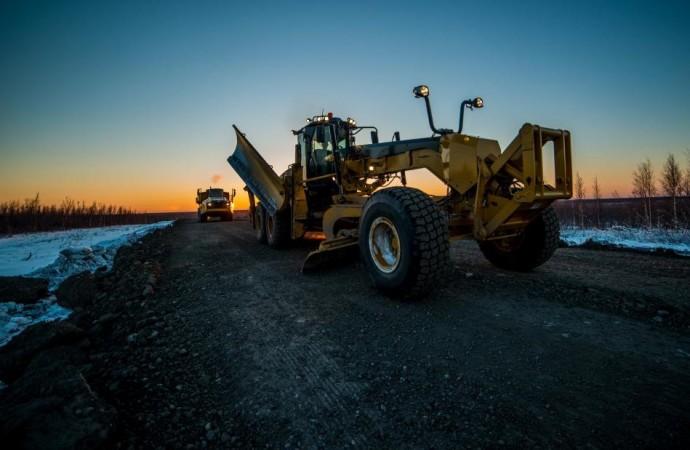 MLAs check on Inuvik-Tuk highway progress