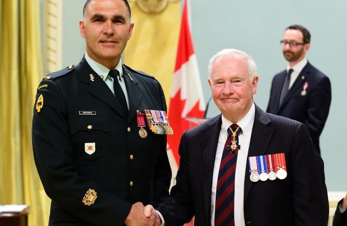 Fort Smith officer awarded medal of bravery