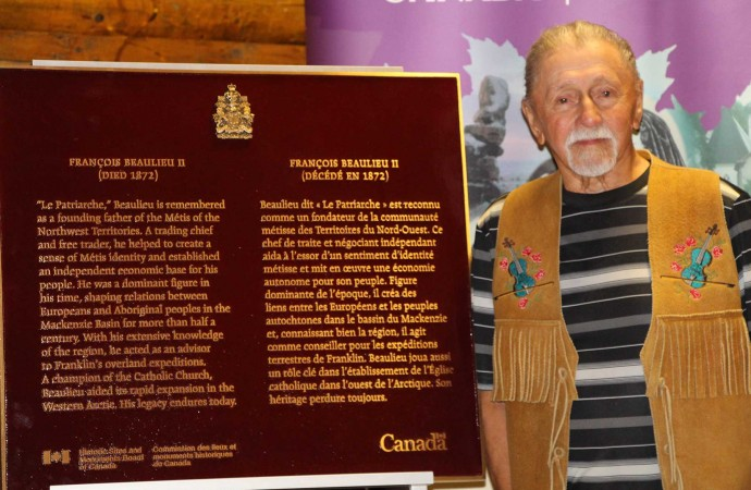 Plaque honouring Métis patriarch unveiled in Fort Smith