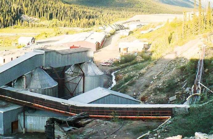Taxpayers take on Cantung mine, Mactung property