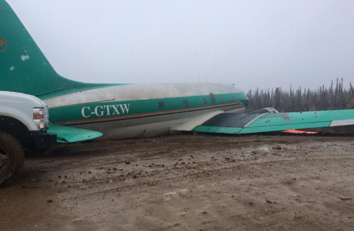 Grounded Buffalo Airways  to continue with charter aircraft