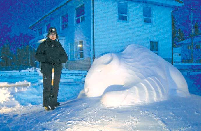 Snow sculptures help spread environmental awareness