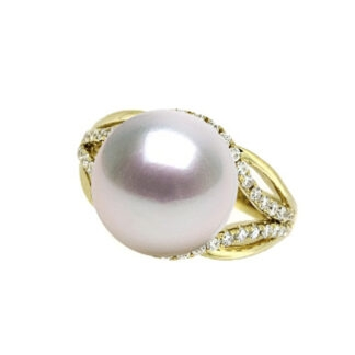 Ring with South Sea Pearl & Diamonds in 14KT Gold