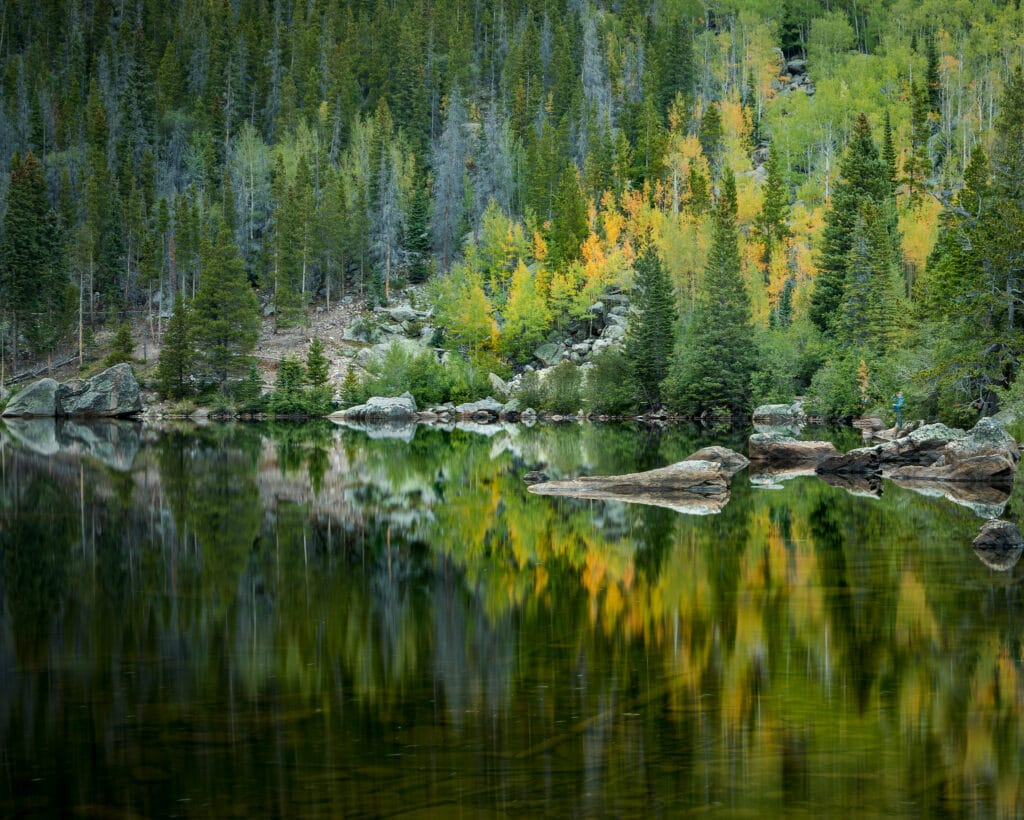 Rock Mountain Lake with fall colors