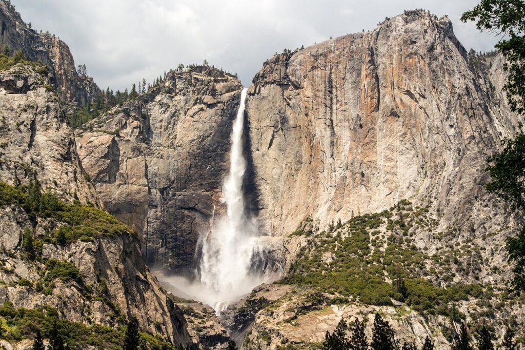 Yosemite Falls Falls