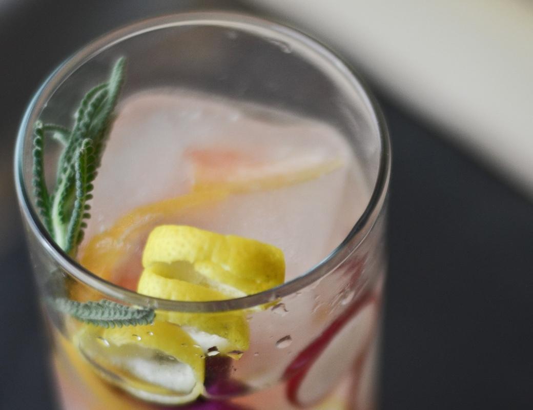 spring cobbler cocktail