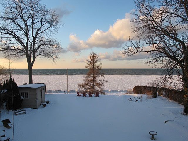 ice-and-water-lake-ontario