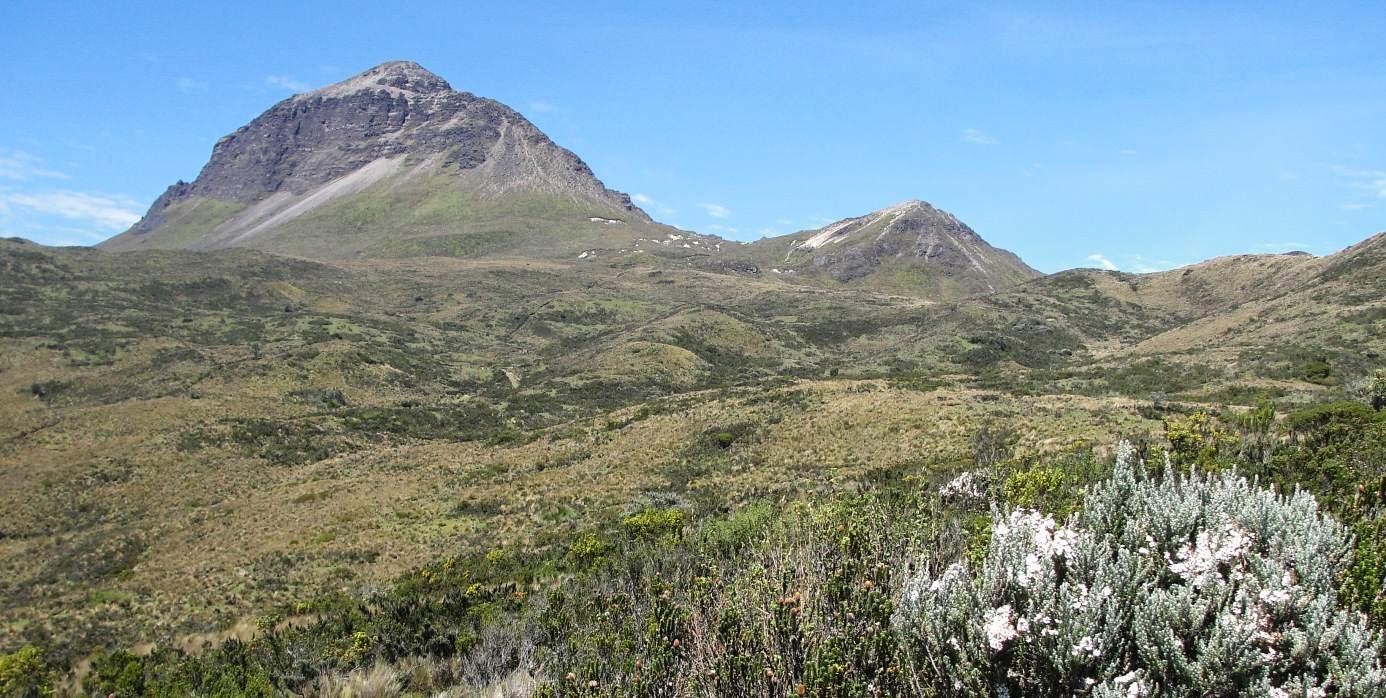 Volcán Corazón, Ecuador, ruta de Aloasí