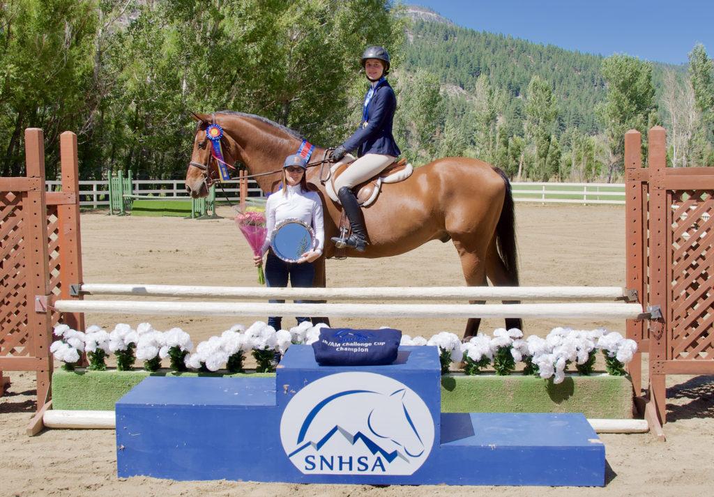 2019 JR/AM Medal winner, Sierra Giesler & How Sweet It Is; trainer Wendy Brownlee