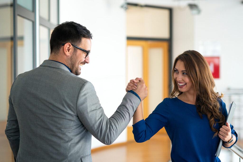 Corresponsal de seguros SURA mejores socios