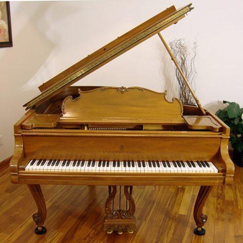 steinway grand piano model L louis XV