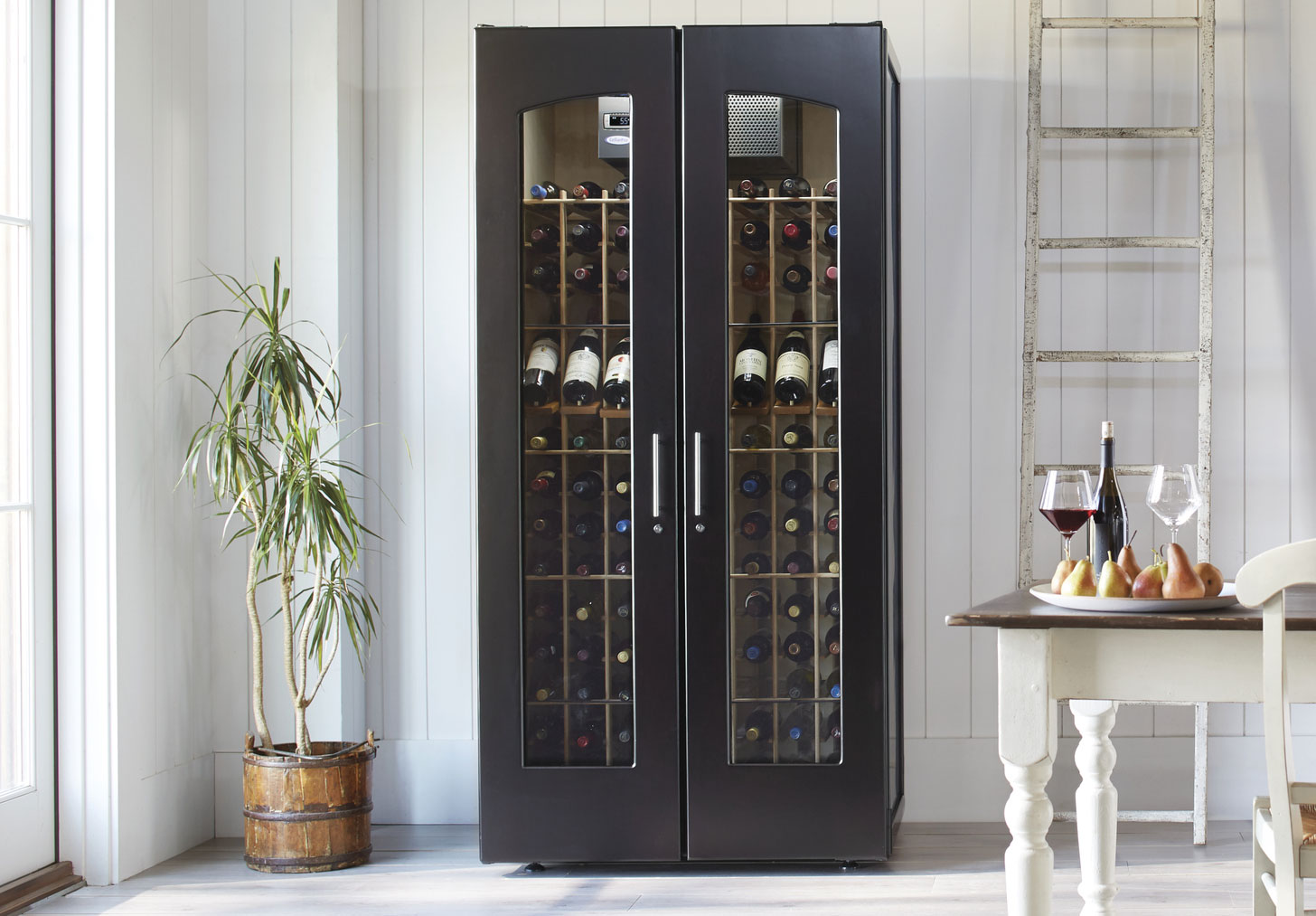 Le Cache Contemporary 2400 Wine Cabinet
