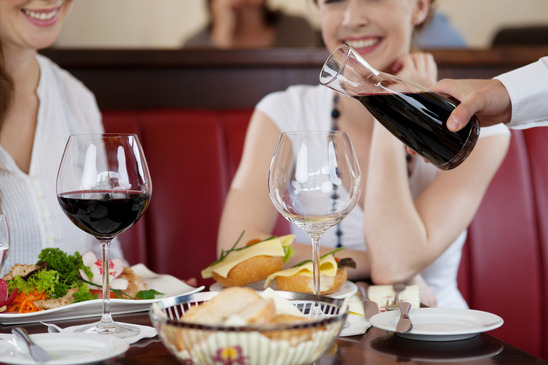 wine, dining, restaurant, wine on tap