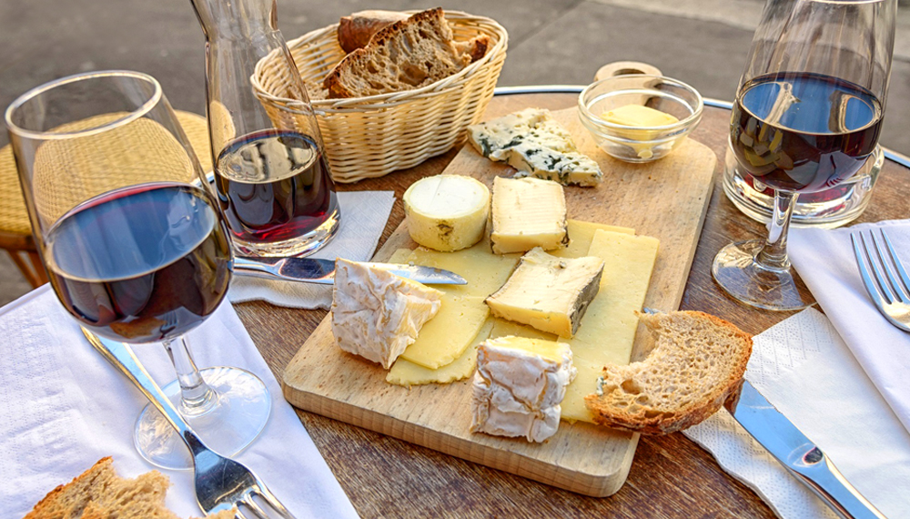 Ultimate Guide to Pairing Cheese and Wine