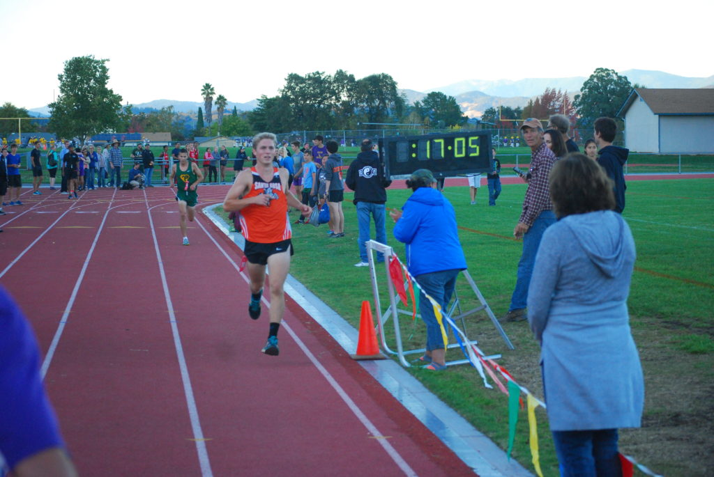 Mazzanti in his first race back in 2 weeks after a bad fall surprises many with a 3rd in 17:06.