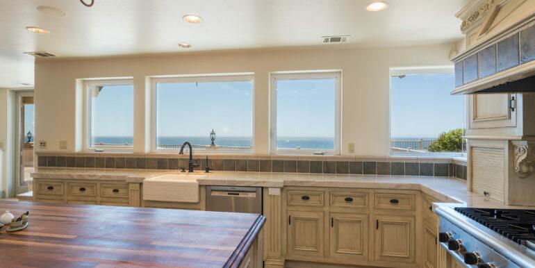 2569 Spyglass Dr Pismo Beach-print-034-71-Kitchen-4200x2804-300dpi