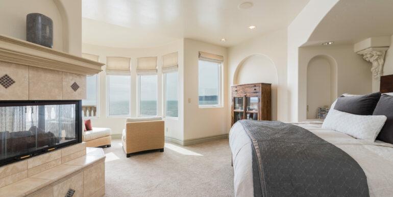 2569 Spyglass Dr Pismo Beach-print-052-11-Master Bedroom-4200x2804-300dpi