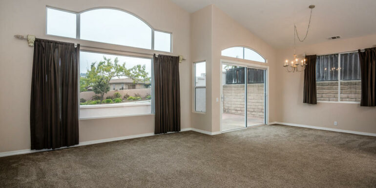 132 El Viento Pismo Beach CA-006-10-Living Room-MLS_Size