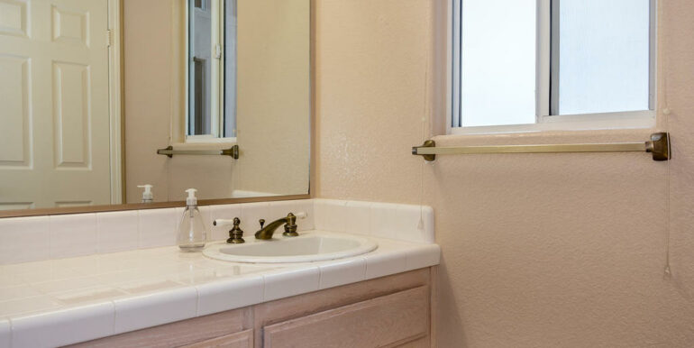 132 El Viento Pismo Beach CA-013-7-Powder Room-MLS_Size