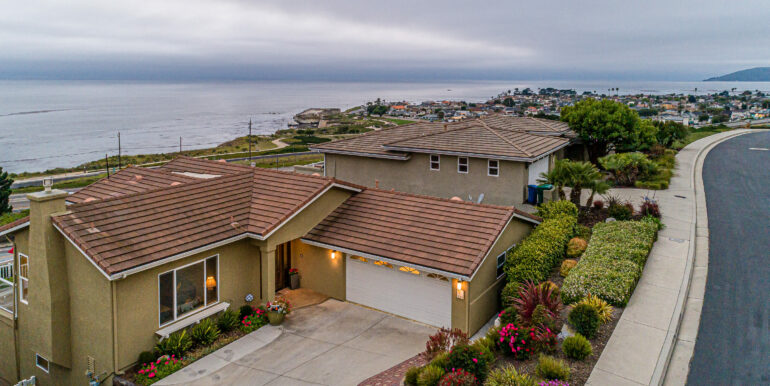 229 Foothill Rd Pismo Beach CA-print-001-018-Home with Ocean Views-3000x1999-300dpi