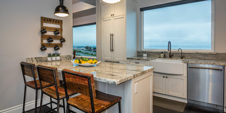 229 Foothill Rd Pismo Beach CA-print-019-031-Kitchen-3000x2002-300dpi