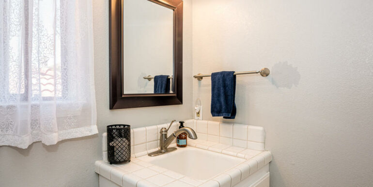 223 Margo Way Pismo Beach CA-018-004-Powder Room-MLS_Size