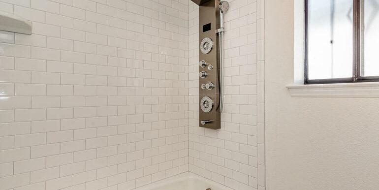 223 Margo Way Pismo Beach CA-027-014-Bathroom Three-MLS_Size