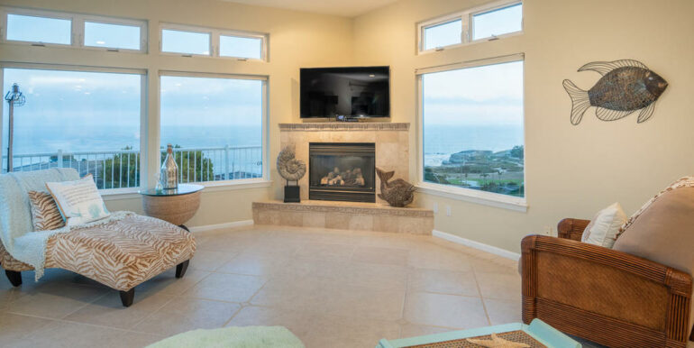 236 Foothill Rd Pismo Beach CA-011-002-Living Room-MLS_Size