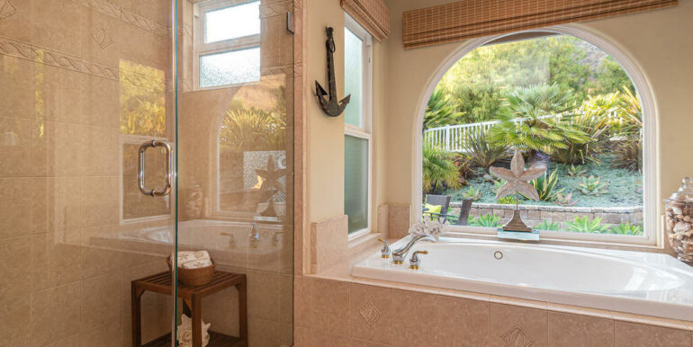 236 Foothill Rd Pismo Beach CA-025-041-Master Suite-MLS_Size